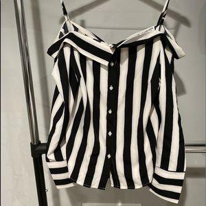 Omg this off shoulder fashion nova dress blouse